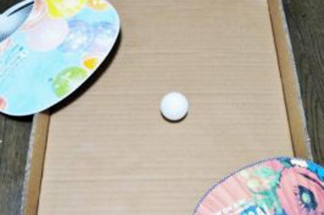 うちわパタパタサッカーの作り方と遊び方 | まっちゃんの「子どもの遊び場」インフォ!