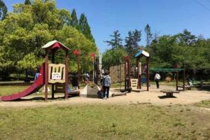 ロクハ公園「くるくるランド」へ行ってきた! 大型遊具やえさやり体験が楽しい!